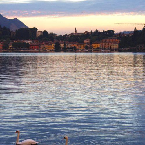Lecco, tramonto con vista su Malgrate