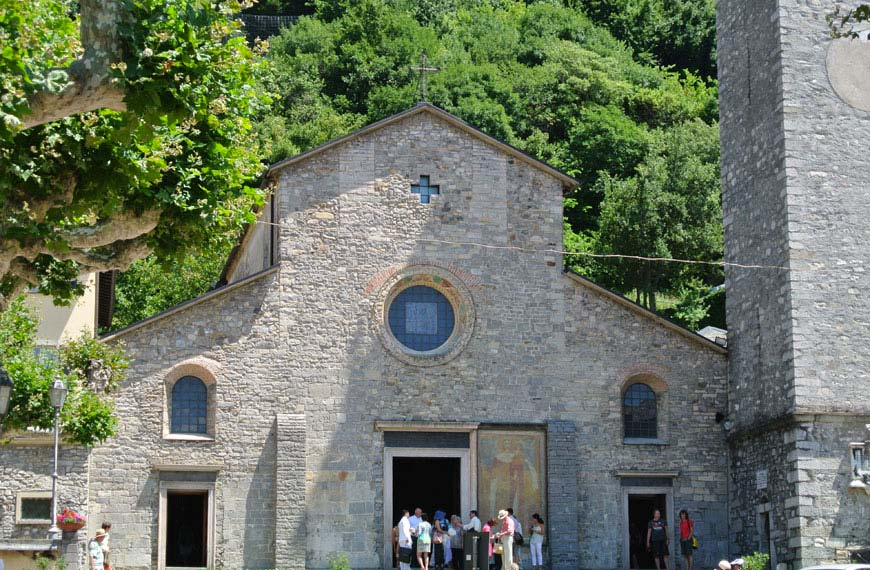 Varenna Chiesa di San Giorgio lago di como lake Como