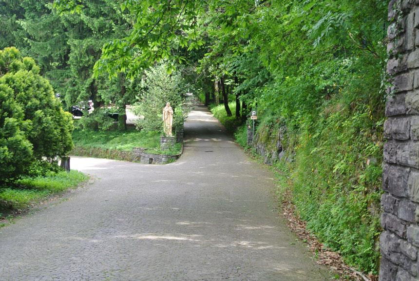 Colico Design Varedo Orari.Abbazia Di Piona A Colico Sul Lago Di Como Monaci Cistercensi