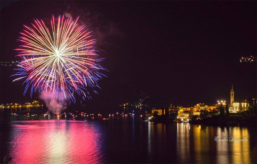 Fuochi d'artificio a Varenna 2019