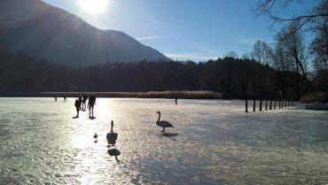 Lago di Piano ghiacciato in inverno