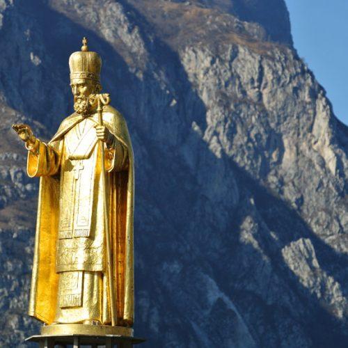 Lecco Statua San Nicolò