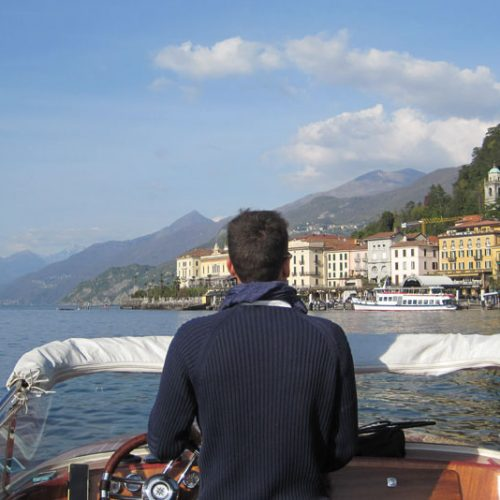 Lake Como boat tour among villas and hidden places