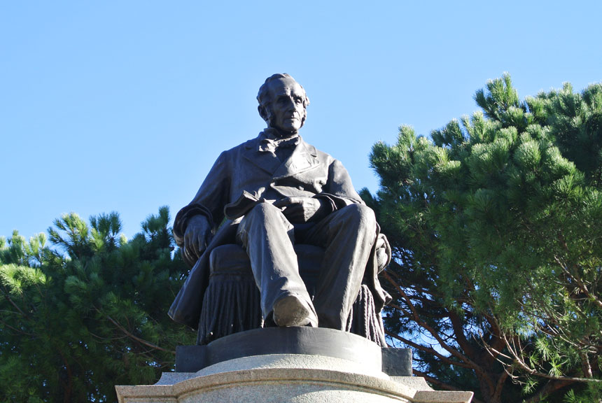 Lecco Monumento Alessandro Manzoni