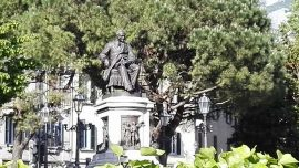 Monumento a Alessandro Manzoni