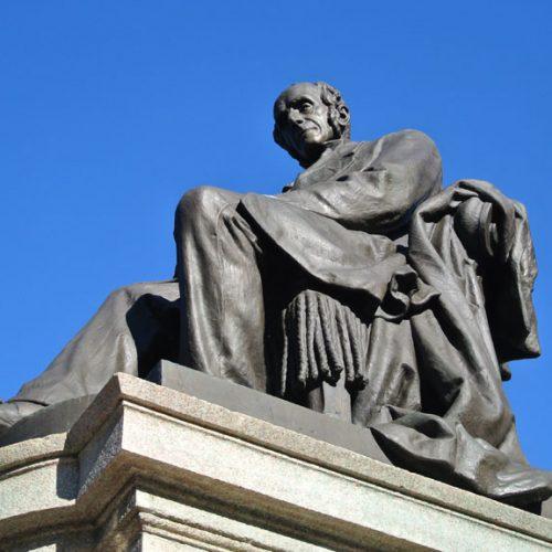 Lecco Monumento a Alessandro Manzoni