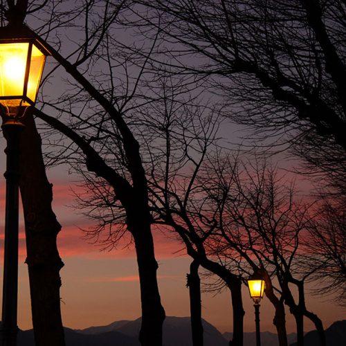 Lungolago al tramonto