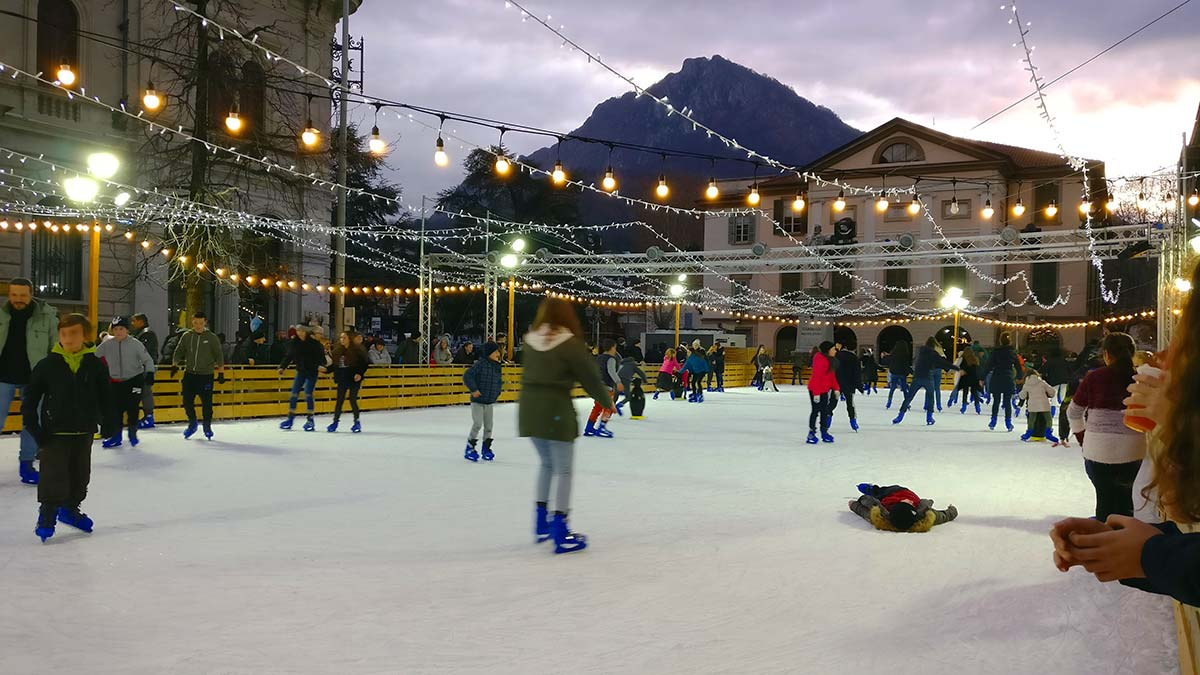 Pista pattinaggio sul ghiaccio a Lecco