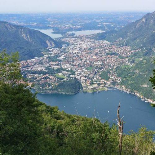 Panorama dalla Croce del San Martino sui laghi Briantei