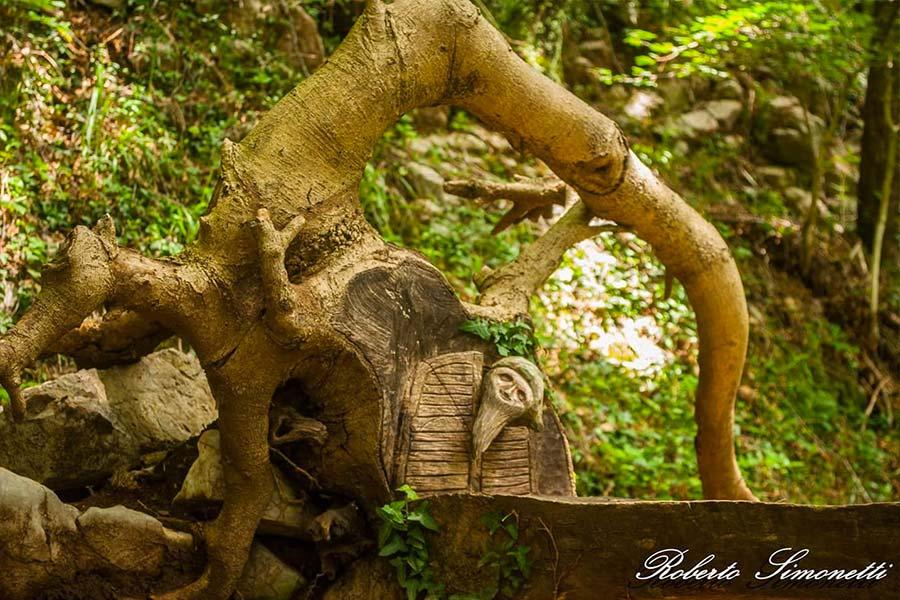 spirito-bosco-canzo-scultura-nanetto
