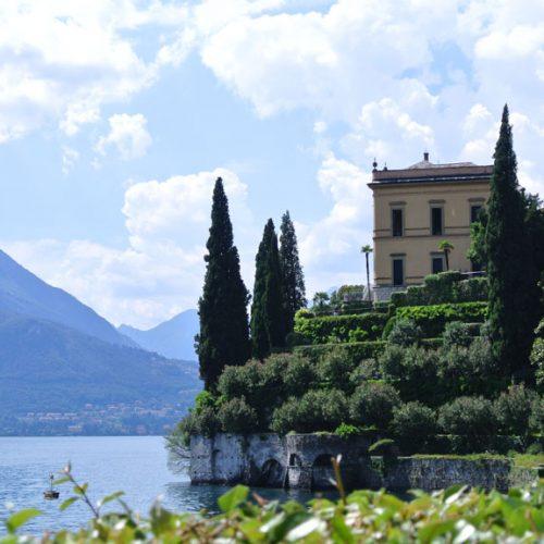 Varenna Villa Cipressi vista da Villa Monastero