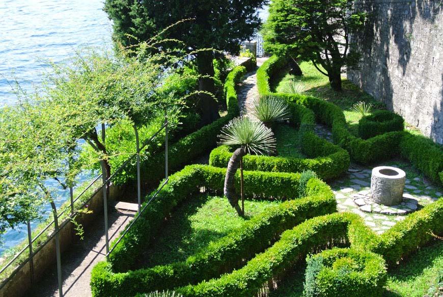villa-monastero-giardino-francese